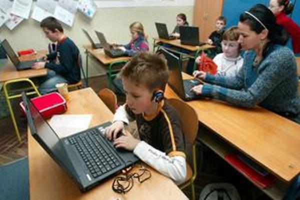 Internet pre deti má výjsť štát draho.