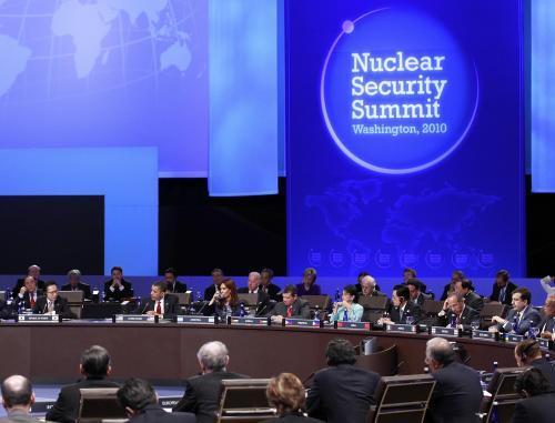 nuklearny_summit_4_ap.jpg