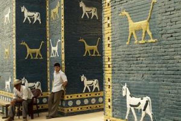 Babylon zničil Husajn aj vojská. V zlom stave je aj kópia Ištarinej brány.