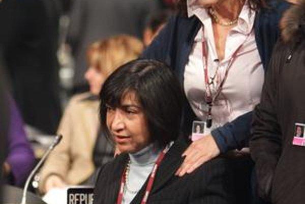 Mexická delegátka dostáva masáž pred ďalším rokovacím dňom klimatického summitu v dánskej Kodani.