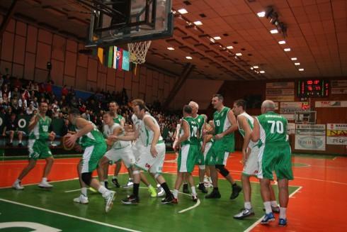 handlova_70_rokov_basketbalu_pod_kosom.jpg