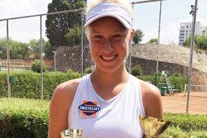 Bianca Behúlová s trofejami v Nikózii.