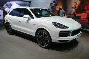 Autosalón Frankfurt 2019 - Porsche Cayenne Hybrid