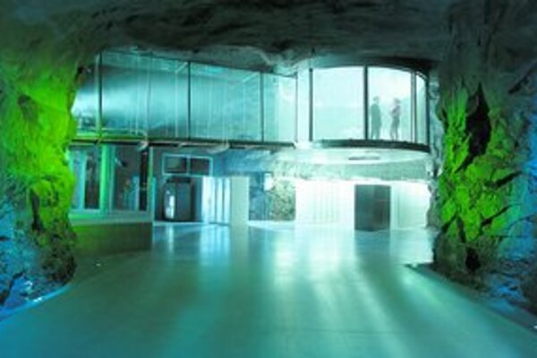 Datacentrum vyzerá ako tajné laboratórium z Jamesa Bonda. Tvorcov inšpirovali viaceré sci-fi filmy.