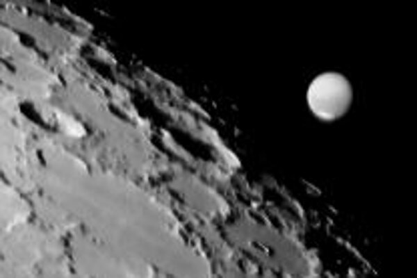 10. mája nastal v našich zemepisných šírkach zákryt Marsu Mesiacom. Ilustračné foto - Andrew Chaikin