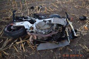 Motocykel po nehode.