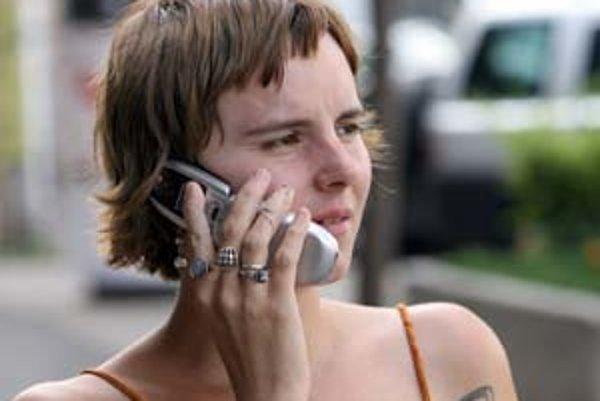 Niekoľko zákazníkov sa sťažovalo na problémy s reklamáciami akciových mobilov. Štát preto zmenil zákon.