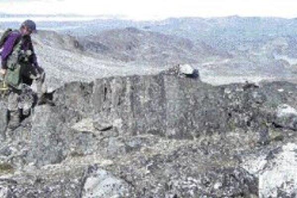 Krajina v Isue s horninami, starými 3,8 miliardy rokov. Kredit foto - Science.