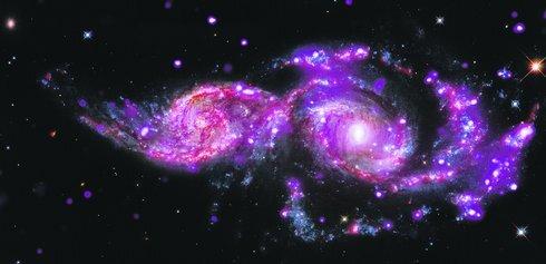 07_zlucenie-dvoch-galaxii-_nasa_05_r3398_res.jpg