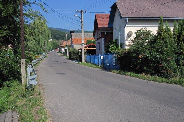 Výkopové práce na čas ovplyvnia aj komfort obyvateľov obce.