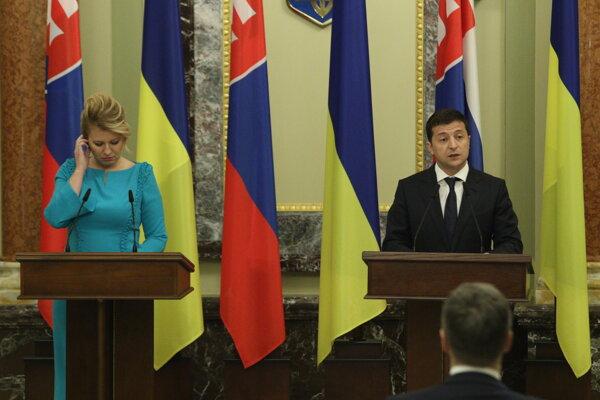 Prezidentka SR Zuzana Čaputová a prezident Ukrajiny Volodymyr Zelenskyj počas tlačovej konferencie v Marinskom paláci v rámci návštevy prezidentky SR na Ukrajine.