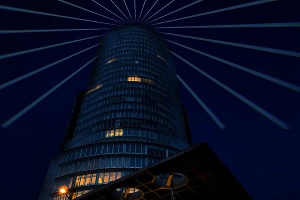 Budova Národnej banky bude svietiť do ďaleka.