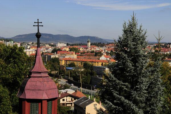 Nárast globálnej teploty v podobe letných horúčav trápi aj mesto Prešov.
