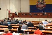 Mesto plánuje zainvestovať požičané peniaze do športu, školstva i dopravy.