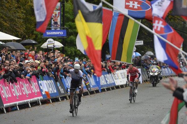 Peter Sagan prichádza do cieľa na MS v cyklistike 2019.