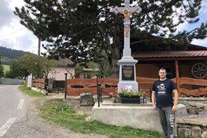 Kríž opravili domáci minulý rok.