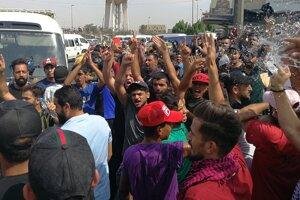 Pokračujú protesty v Bagdade.