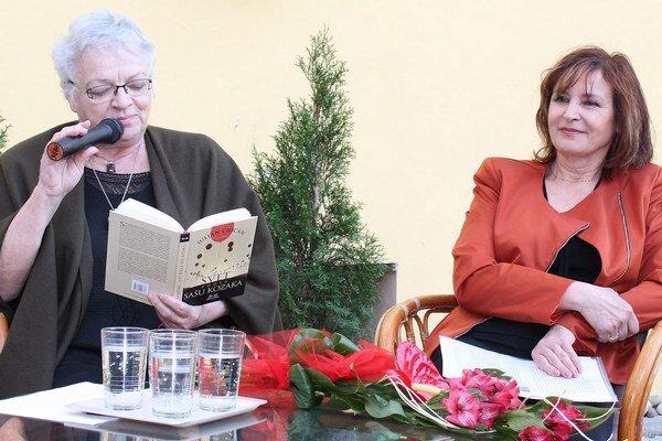 Spisovateľky I. Rapaičová (vľavo) a M. Ivaničková.