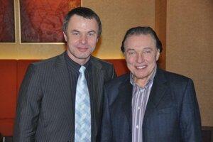 DJ Ján Haliena niekoľkokrát spolupracoval na koncertoch s Karlom Gottom.