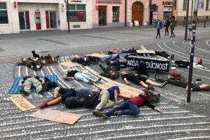 Pred niekoľkými dňami zase protestovali takto