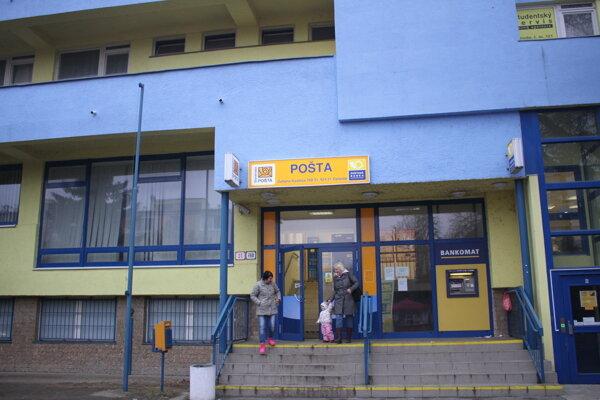 Budova pošty na Ulici Zoltána Kodálya vGalante.