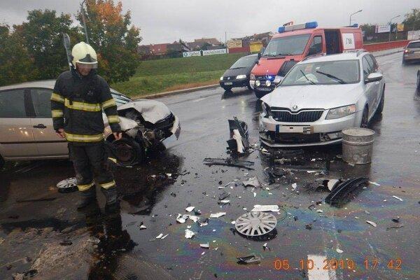 Polícia vyzýva vodičov, aby si všímali dopravné značenia.