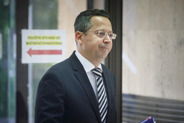 Minister financií Ladislav Kamenický (Smer).