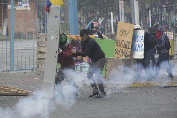 V Ekvádore dochádza k výtržnostiam.