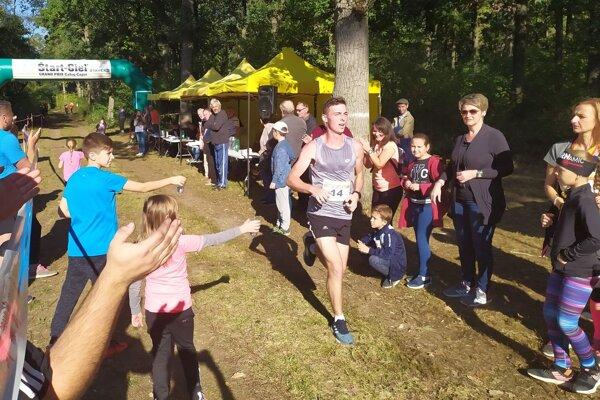 Najrýchlejším bežcom bol 18-ročný Adam Kĺbik.
