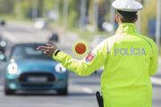 Vodiča zastavila policajná hliadka, pri kontrole sa nevyhol ani dychovej skúške.