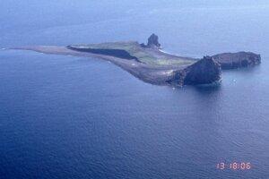 Ostrov Bogoslof v roku 1998.