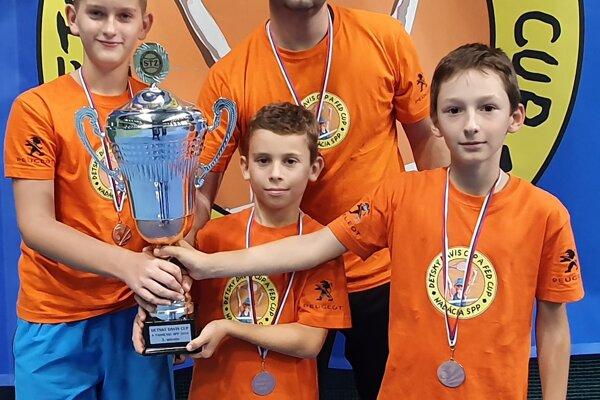 Foto: zľava Martin Bobošík, Matteo Massi, kapitán Pavol Bobošík, Martin Frič.