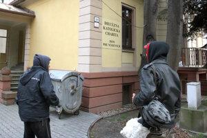 Ľuďom bez domova pomáha v Banskej Bystrici niekoľko subjektov.