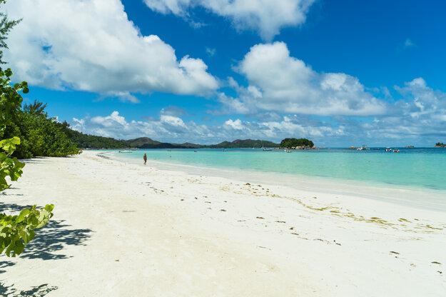 Anse Côte d'Or na ostrove Praslin.