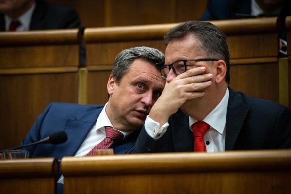 Andrej Danko a Martin Glváč v parlamente.