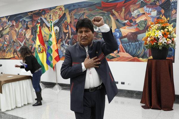 Bolívijský prezident Evo Morales rezignoval.