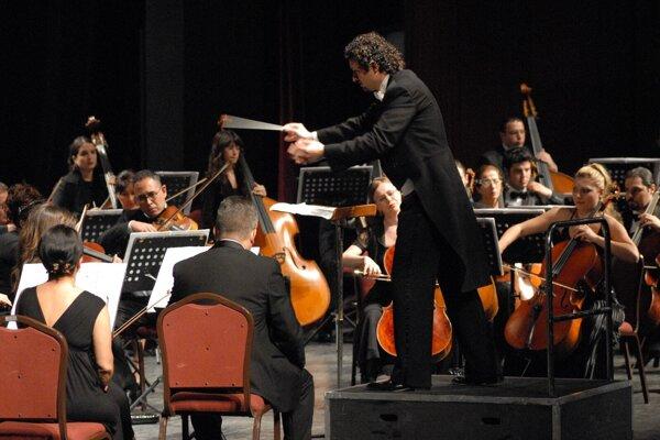 Peter Valentovič skončil ako šéfdirigent Symfonického orchestra Slovenského rozhlasu len po roku pôsobenia.