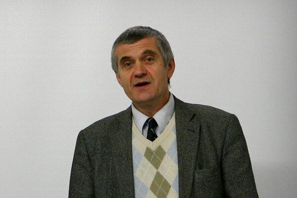 Peter Tatár.