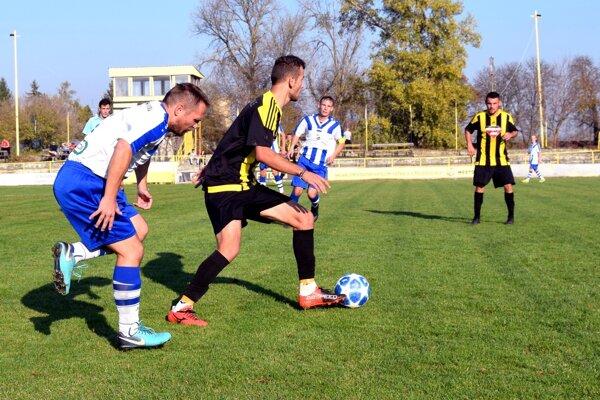 Zo zápasu Želiezovce - Bánov 1:0.