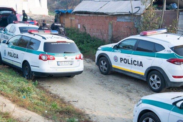 Policajná razia v Chminianskych Jakubovanoch.