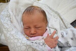 Sára Dedlovičová (2970 g, 49 cm) sa narodila 21. októbra Marianne a Andrejovi z Nitry.