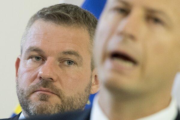 Predseda vlády SR Peter Pellegrini a vpravo minister spravodlivosti SR Gábor Gál.