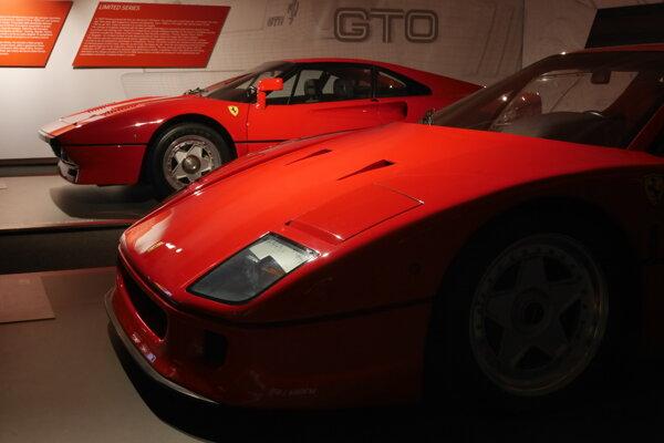 Ferrari 288 GTO a F40 v múzeum v Maranelle.