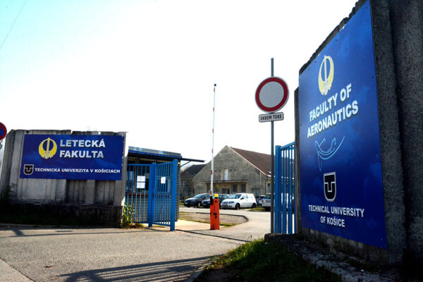 Letecká fakulta TU na Rampovej ulici v Košiciach.