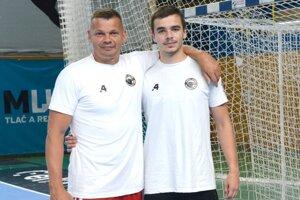 Radoslav Antl st. má z výkonov svojho syna a zároveň zverenca radosť.
