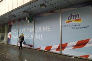 Sieť dm drogerie markt otvorí v obchodnom dome na Kamennom námestí v Bratislave.