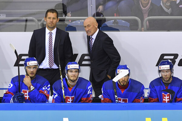 Slovenskí hokejoví reprezentanti na Nemeckom pohári 2018 - ilustračná fotografia.