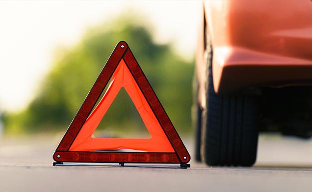 Miesto nehody je dôležité poriadne označiť a zvýšiť tak aj vlastnú bezpečnosť