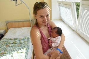 Ella Mikušová (3060 g, 49 cm) sa narodila 5. novembra Andrei a Michalovi zo Senca.