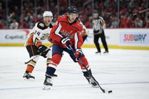 Richard Pánik v zápase základnej časti NHL 2019/2020 Washington Capitals - Anaheim Ducks.